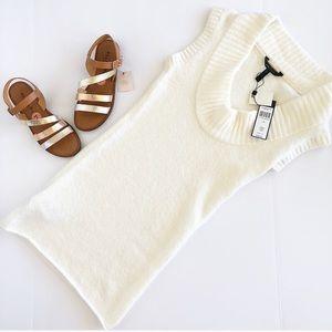 NWT BCBG sweater tunic in winter white